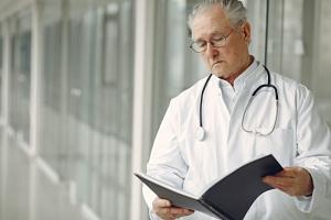 Astuce n°9 : 9. Consulter un médecin pour sortir de l'isolement et restaurer le lien social